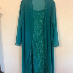 Flowing Teal Lace Dress